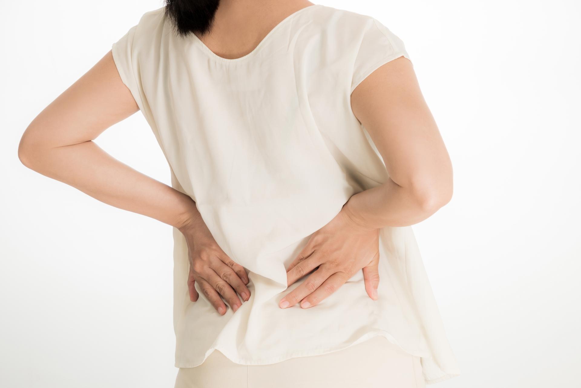 背骨の歪みの原因